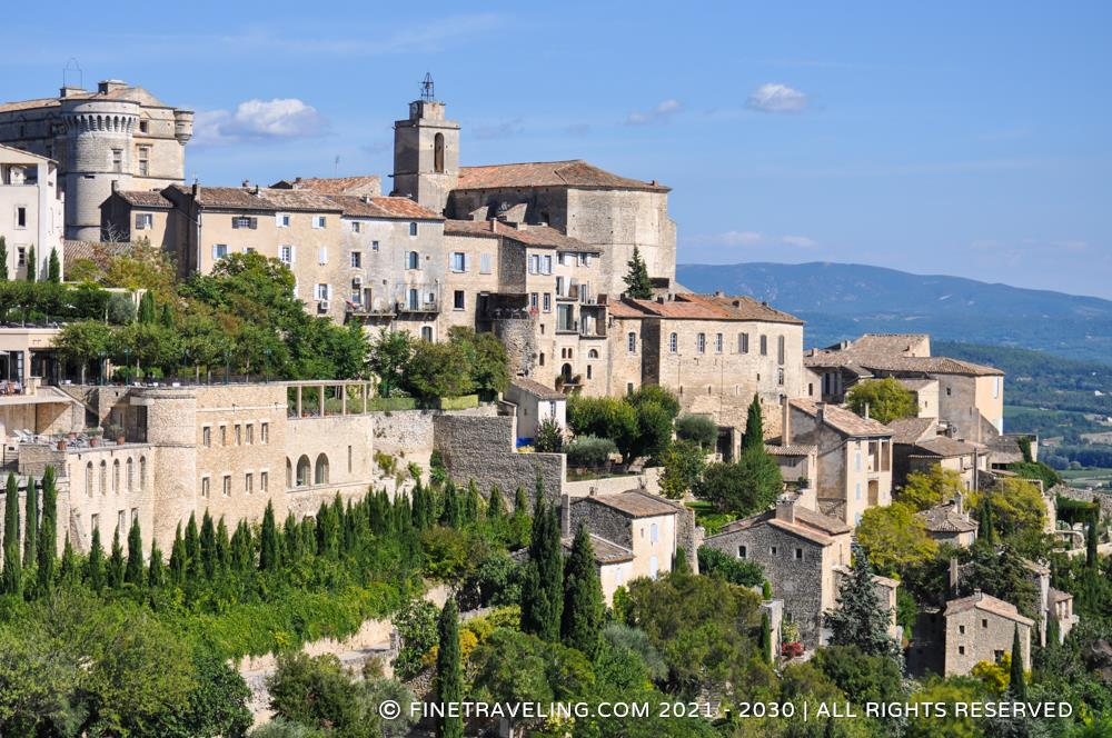 Chateau de gordes things to do in gordes fine traveling for At home architecture 84220 gordes