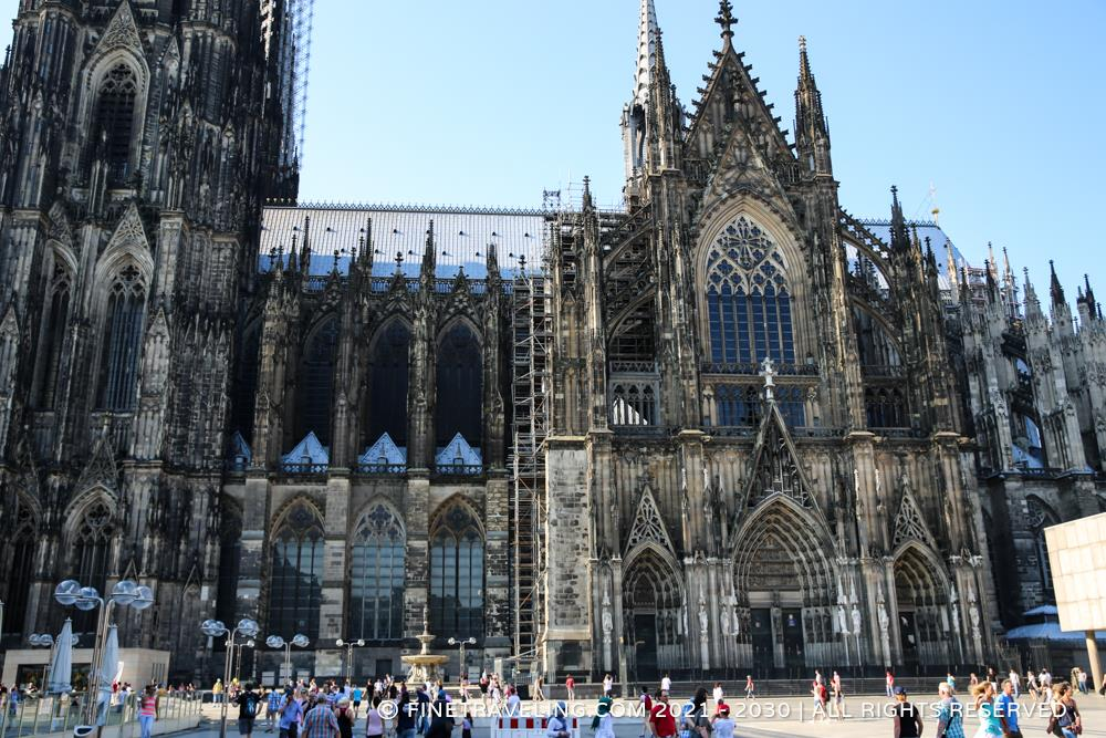cologne cathedral dom things to do in cologne fine traveling. Black Bedroom Furniture Sets. Home Design Ideas
