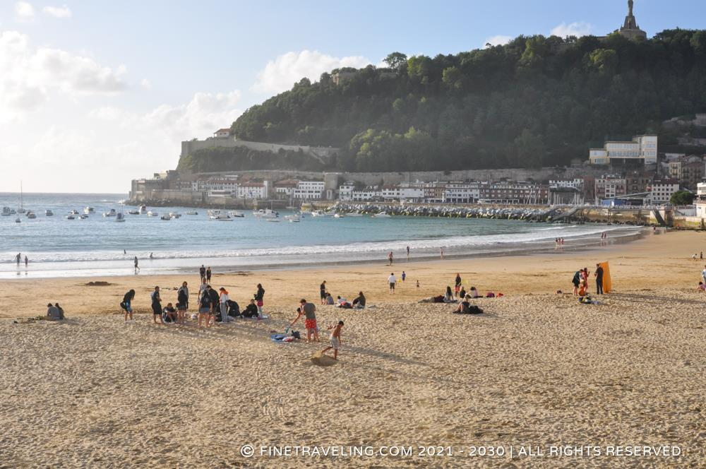 La Concha Beach - Things to do in Donostia-San Sebastian - www.cherryawards.com